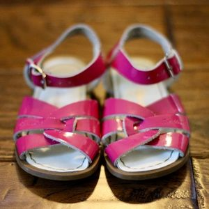 Shiny Fuchsia Salt Water Sandals by Hoy